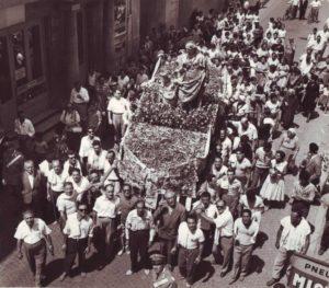 Processione a Sant'Anna - Galleria Storica del Santuario di Sant'Anna Patrona di Caserta
